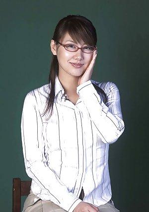 Asian Porn in Glasses Pics