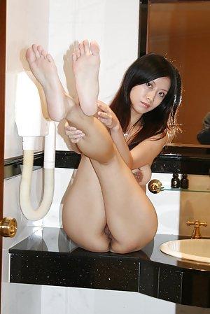 Asian Legs Porn Pics