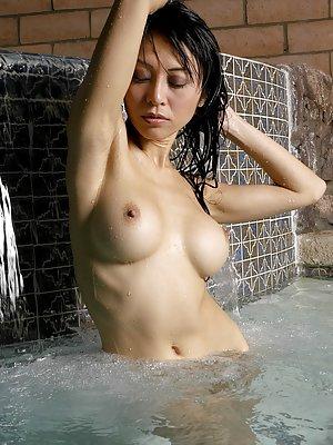 Asian Porn in Pool Pics